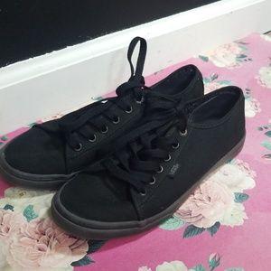 Van's all black sneakers size 7.5